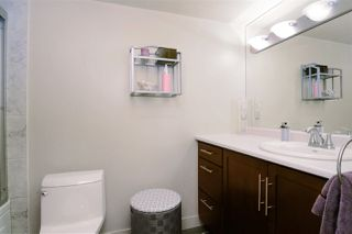 """Photo 17: 307 1610 CHESTERFIELD Avenue in North Vancouver: Central Lonsdale Condo for sale in """"Canterbury House"""" : MLS®# R2096550"""