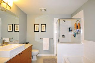 "Photo 11: 1908 110 BREW Street in Port Moody: Port Moody Centre Condo for sale in ""ARIA 1"" : MLS®# R2098119"