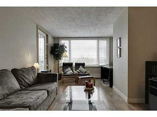 Photo 2: 460 8 Street SW in Calgary: Single Level Apartment for sale : MLS®# C3571101