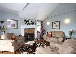 """Main Photo: 203 11578 225 Street in Maple Ridge: East Central Condo for sale in """"THE WILLOWS"""" : MLS®# R2106977"""