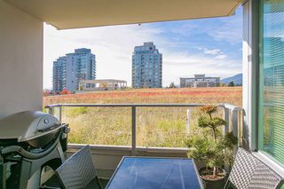 "Photo 5: 318 135 E 17TH Street in North Vancouver: Central Lonsdale Condo for sale in ""LOCAL"" : MLS®# R2117123"