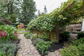 Photo 2: 33226 HAWTHORNE Avenue in Mission: Mission BC House for sale : MLS®# R2123585