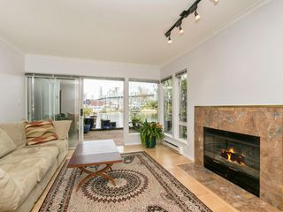 "Photo 5: 1585 MARINER Walk in Vancouver: False Creek Townhouse for sale in ""LAGOONS"" (Vancouver West)  : MLS®# R2158122"