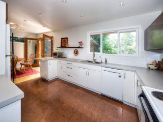 "Photo 10: 5110 10A Avenue in Delta: Tsawwassen Central House for sale in ""TSAWWASSEN CENTRAL"" (Tsawwassen)  : MLS®# R2164700"