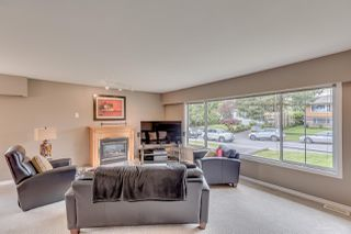 Photo 3: 650 RODERICK Avenue in Coquitlam: Coquitlam West House for sale : MLS®# R2165374