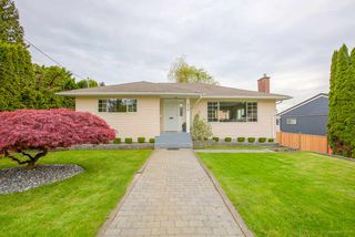 Photo 1: 650 RODERICK Avenue in Coquitlam: Coquitlam West House for sale : MLS®# R2165374