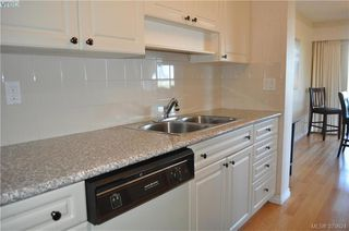 Photo 10: 504 2910 Cook Street in VICTORIA: Vi Hillside Condo Apartment for sale (Victoria)  : MLS®# 379624