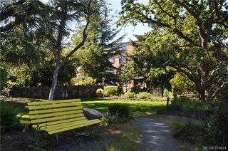 Photo 3: 504 2910 Cook St in VICTORIA: Vi Hillside Condo for sale (Victoria)  : MLS®# 762527
