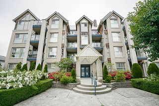 """Main Photo: 203 20237 54 Avenue in Langley: Langley City Condo for sale in """"THE AVANTE"""" : MLS®# R2182365"""