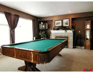 """Photo 3: 6450 199TH Street in Langley: Willoughby Heights Townhouse for sale in """"Logan's Landing"""" : MLS®# F2702105"""