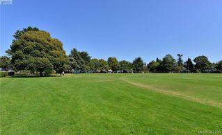 Photo 19: 104 2095 Oak Bay Avenue in VICTORIA: OB South Oak Bay Condo Apartment for sale (Oak Bay)  : MLS®# 382106