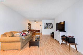 Photo 3: 104 2095 Oak Bay Avenue in VICTORIA: OB South Oak Bay Condo Apartment for sale (Oak Bay)  : MLS®# 382106