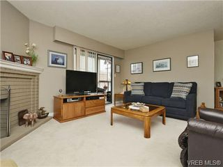 Photo 5: 402 1052 Rockland Avenue in VICTORIA: Vi Downtown Residential for sale (Victoria)  : MLS®# 349517