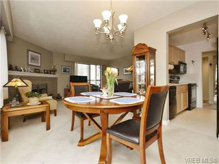 Photo 15: 402 1052 Rockland Avenue in VICTORIA: Vi Downtown Residential for sale (Victoria)  : MLS®# 349517