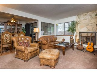 """Photo 4: 103 1379 MERKLIN Street: White Rock Condo for sale in """"The Rosewood"""" (South Surrey White Rock)  : MLS®# R2242264"""