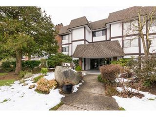 """Photo 2: 103 1379 MERKLIN Street: White Rock Condo for sale in """"The Rosewood"""" (South Surrey White Rock)  : MLS®# R2242264"""
