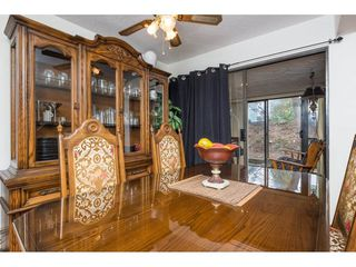 """Photo 5: 103 1379 MERKLIN Street: White Rock Condo for sale in """"The Rosewood"""" (South Surrey White Rock)  : MLS®# R2242264"""