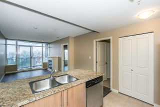 Photo 5: 3307 892 CARNARVON Street in New Westminster: Downtown NW Condo for sale : MLS®# R2246949