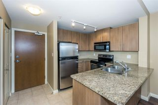 Photo 3: 3307 892 CARNARVON Street in New Westminster: Downtown NW Condo for sale : MLS®# R2246949