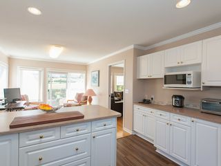 Photo 12: 1333 Leeward Way in Qualicum Beach: House for sale