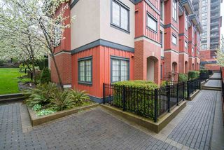 Photo 2: 829 AGNES STREET in New Westminster: Downtown NW Townhouse for sale : MLS®# R2257074