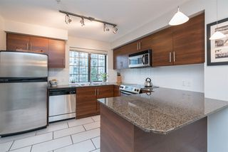 Photo 8: 829 AGNES STREET in New Westminster: Downtown NW Townhouse for sale : MLS®# R2257074