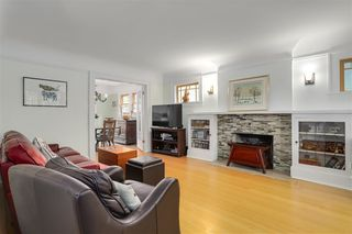 Photo 2: 2391 W 10TH Avenue in Vancouver: Kitsilano House 1/2 Duplex for sale (Vancouver West)  : MLS®# R2265722
