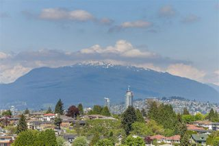 """Photo 19: 606 5665 BOUNDARY Road in Vancouver: Collingwood VE Condo for sale in """"Wall Centre"""" (Vancouver East)  : MLS®# R2266234"""