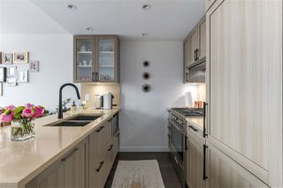 """Photo 10: 606 5665 BOUNDARY Road in Vancouver: Collingwood VE Condo for sale in """"Wall Centre"""" (Vancouver East)  : MLS®# R2266234"""