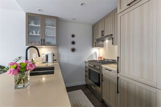 """Photo 9: 606 5665 BOUNDARY Road in Vancouver: Collingwood VE Condo for sale in """"Wall Centre"""" (Vancouver East)  : MLS®# R2266234"""
