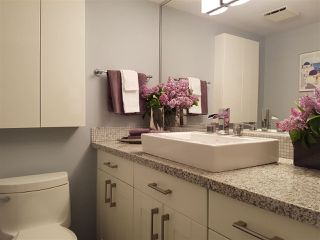 "Photo 18: 301 15466 NORTH BLUFF Road: White Rock Condo for sale in ""THE SUMMIT"" (South Surrey White Rock)  : MLS®# R2273976"
