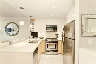 """Photo 11: 504 160 W 3RD Street in North Vancouver: Lower Lonsdale Condo for sale in """"ENVY"""" : MLS®# R2285405"""