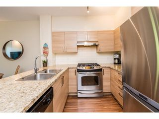Photo 4: 415 1153 KENSAL Place in Coquitlam: New Horizons Condo for sale : MLS®# R2287117