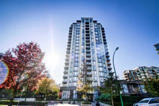 "Main Photo: 1006 151 W 2ND Street in North Vancouver: Lower Lonsdale Condo for sale in ""Sky"" : MLS®# R2301839"