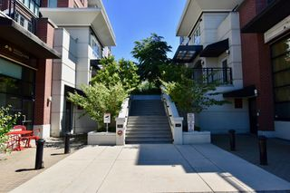 """Photo 30: 208 2940 KING GEORGE Boulevard in Surrey: King George Corridor Condo for sale in """"High Street"""" (South Surrey White Rock)  : MLS®# R2305560"""
