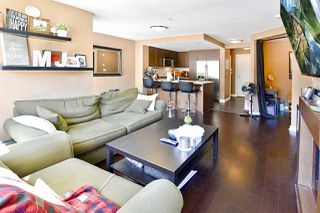 """Photo 5: 208 2940 KING GEORGE Boulevard in Surrey: King George Corridor Condo for sale in """"High Street"""" (South Surrey White Rock)  : MLS®# R2305560"""