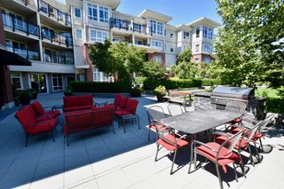 """Photo 26: 208 2940 KING GEORGE Boulevard in Surrey: King George Corridor Condo for sale in """"High Street"""" (South Surrey White Rock)  : MLS®# R2305560"""