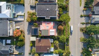Photo 3: 15335 COLUMBIA Avenue: White Rock House for sale (South Surrey White Rock)  : MLS®# R2309099