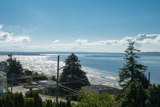 Photo 7: 15335 COLUMBIA Avenue: White Rock House for sale (South Surrey White Rock)  : MLS®# R2309099