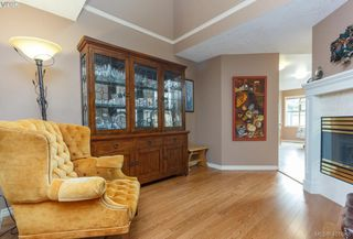 Photo 8: 19 500 Marsett Place in VICTORIA: SW Royal Oak Townhouse for sale (Saanich West)  : MLS®# 401668