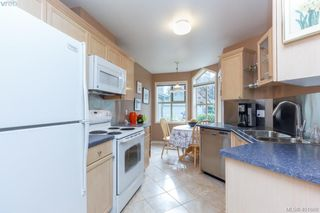 Photo 9: 19 500 Marsett Place in VICTORIA: SW Royal Oak Townhouse for sale (Saanich West)  : MLS®# 401668