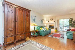 Photo 3: 19 500 Marsett Place in VICTORIA: SW Royal Oak Townhouse for sale (Saanich West)  : MLS®# 401668