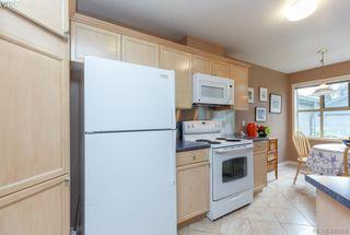 Photo 10: 19 500 Marsett Place in VICTORIA: SW Royal Oak Townhouse for sale (Saanich West)  : MLS®# 401668
