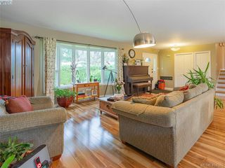 Photo 4: 1117 Clarke Rd in BRENTWOOD BAY: CS Brentwood Bay Single Family Detached for sale (Central Saanich)  : MLS®# 803939