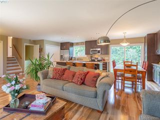 Photo 2: 1117 Clarke Rd in BRENTWOOD BAY: CS Brentwood Bay Single Family Detached for sale (Central Saanich)  : MLS®# 803939