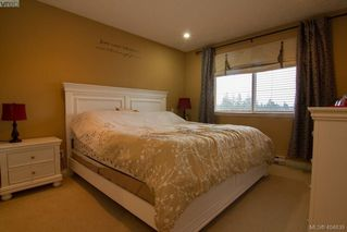 Photo 11: 921 Cavalcade Terr in VICTORIA: La Florence Lake Single Family Detached for sale (Langford)  : MLS®# 804055