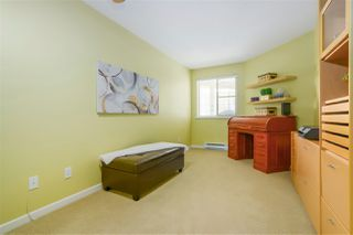 "Photo 10: 401 74 RICHMOND Street in New Westminster: Fraserview NW Condo for sale in ""GOVERNOR'S COURT"" : MLS®# R2350274"
