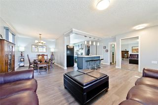 Photo 8: 11140 BRAESIDE Drive SW in Calgary: Braeside Detached for sale : MLS®# C4237369