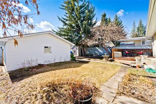 Photo 26: 11140 BRAESIDE Drive SW in Calgary: Braeside Detached for sale : MLS®# C4237369