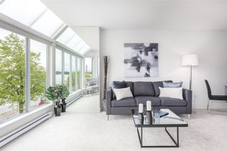 """Photo 4: 305 5 K DE K Court in New Westminster: Quay Condo for sale in """"Quayside Terrace"""" : MLS®# R2366534"""